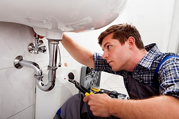 "Why searching for fast plumbing service ""near me"" may not work"
